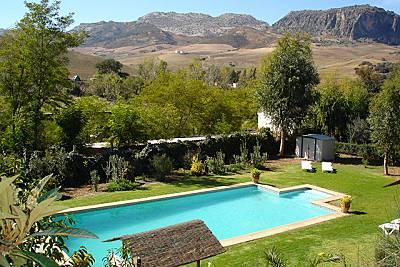 4 casas con piscina compartida, a 5 km de ronda Málaga