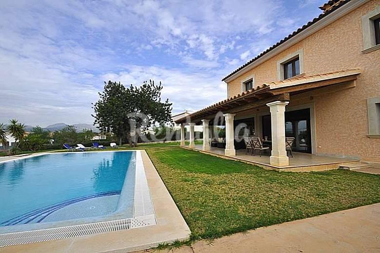 Extraordinaria casa con piscina para 8 personas en for Casas con piscina mallorca