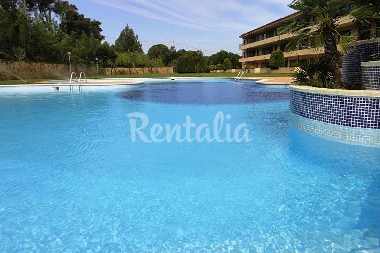 Aparthotel con piscina a 600 m de playa arenals de mar - Piscina devesa girona ...