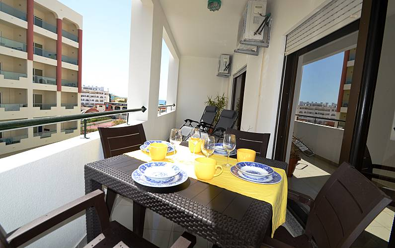 Beautiful 1-Bed Apt- Close the beach Algarve-Faro - Terrace