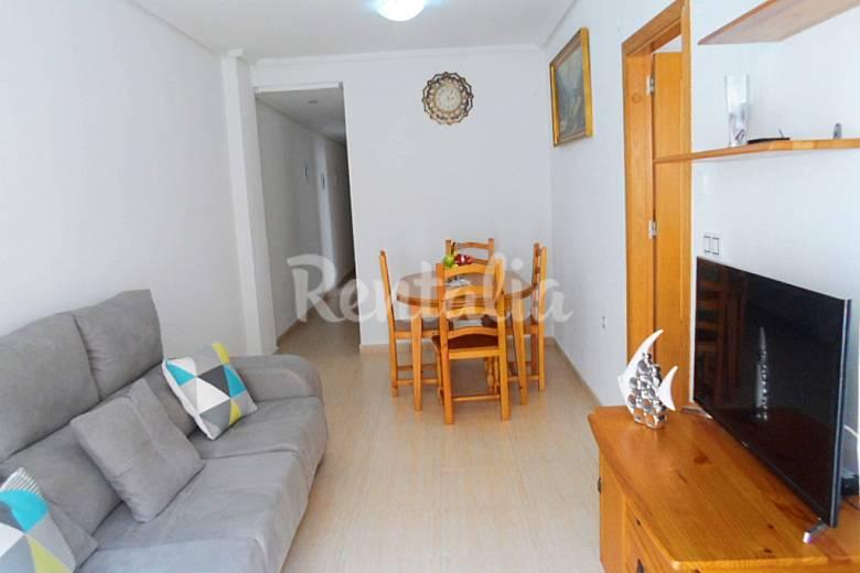 Apartamento a 800 m de la playa garaje incluido for Cocinas alicante precios