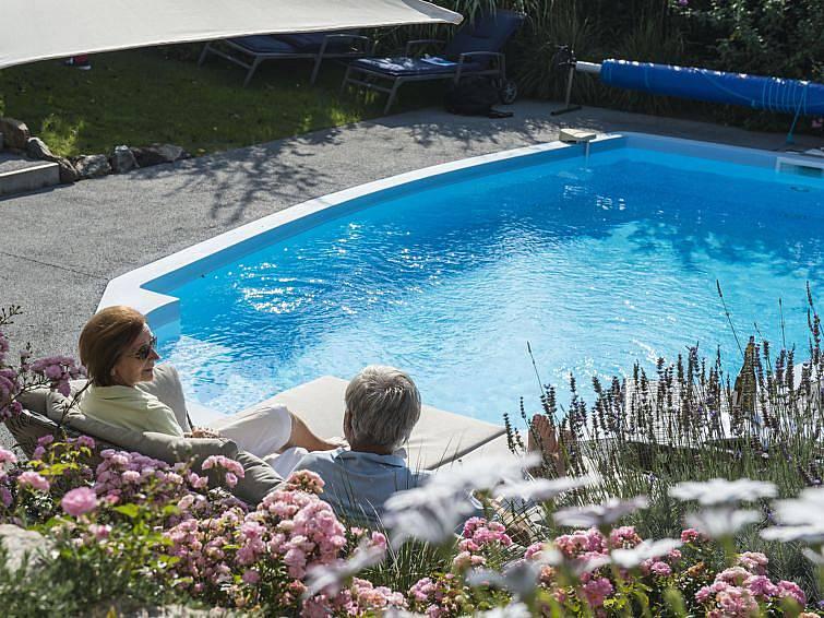 villa pour 8 personnes en pays de la loire chateau d 39 olonne vend e. Black Bedroom Furniture Sets. Home Design Ideas