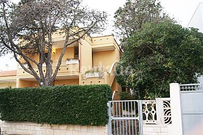 Apartamento en alquiler en Torre dell'Orso Lecce