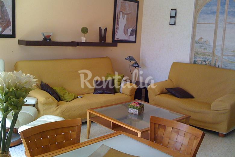 Apartment with 3 bedrooms only 300 meters from the beach - Sofas velez malaga ...