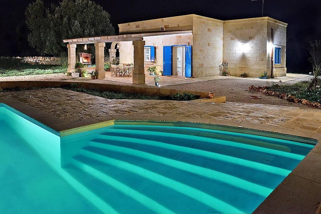 Villa en alquiler en san vito dei normanni san vito dei - Foto ville con piscina ...