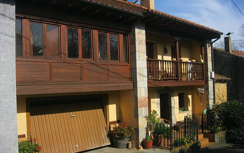 Casa en turanzas de llanes con jardin turanzas llanes for Casa jardin asturias