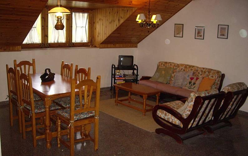 Appartamento con 2 stanze Espot Esquí Lleida - Salotto