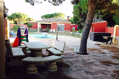Casa en alquiler a 5.3 km de la playa Cádiz
