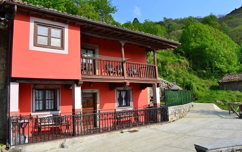 Casa Exterior del aloj. Asturias Amieva Casa en entorno rural - Exterior del aloj.