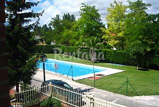 Casa en alquiler con piscina Rioja (La)