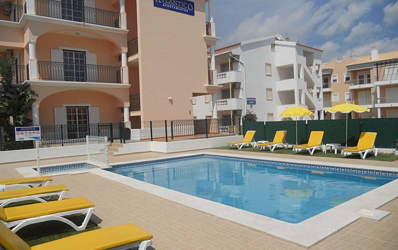 12 Atlântico Apartments Unforgettable Holidays Algarve Faro Swimming Pool