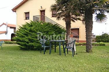 Casa Con Dos Apartamentos Y Jardin A 2 Km De Playa