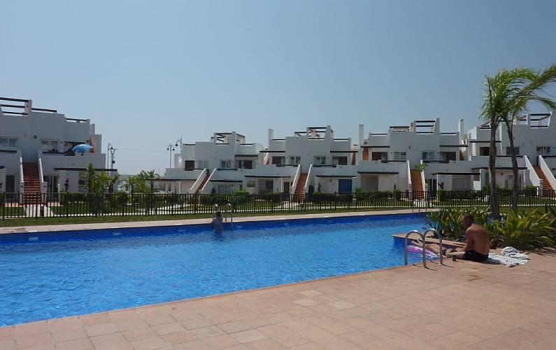 Maison de 3 chambres avec piscine alhama de murcia murcia for Alentour piscine