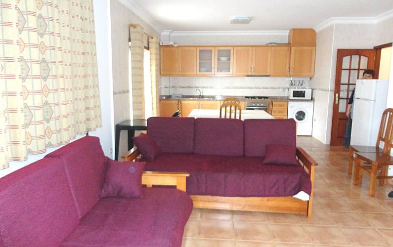 Apartamento para alugar a 800 m da praia Leiria - Sala