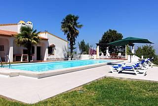 Casa com piscina, jardim e vista fabulosa  Setúbal