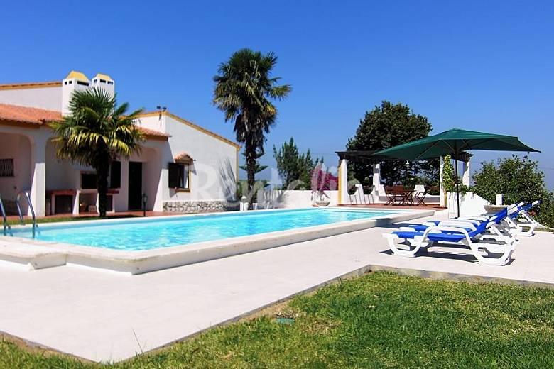 casa con piscina giardino e splendida vista sesimbra