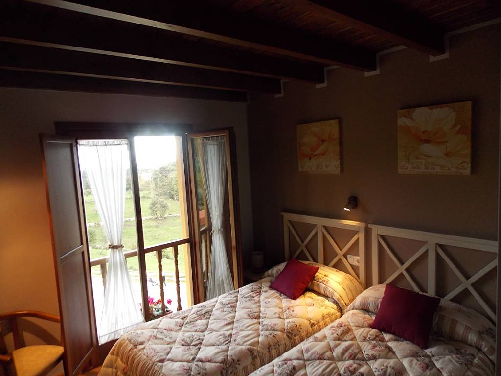 Casa de 6 habitaciones a 2 km de la playa porrua llanes for Llanes habitaciones