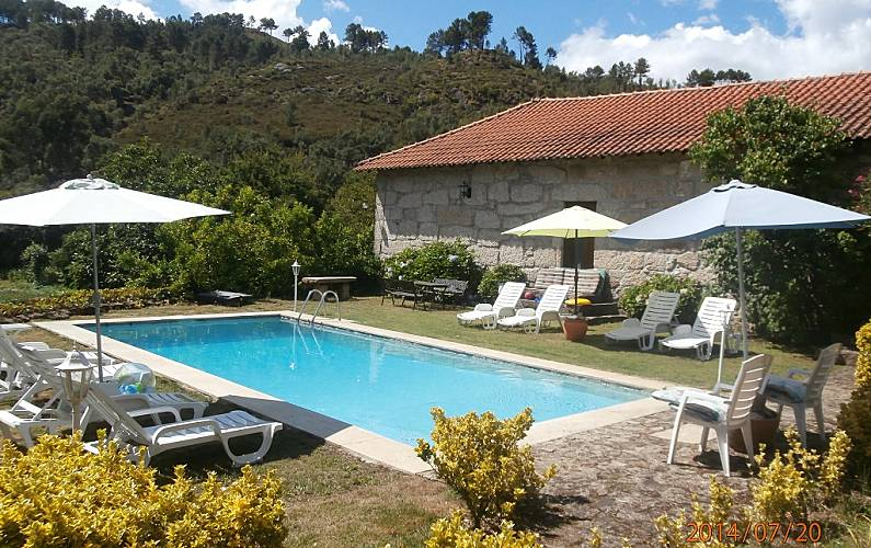 a7bcd096dd129 Casa para 10-12 personas con piscina - Basto