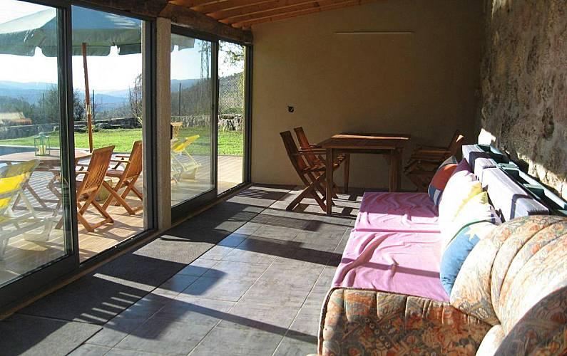 Casa en alquiler con piscina parada paredes de coura for Alquiler de casas en paradas sevilla