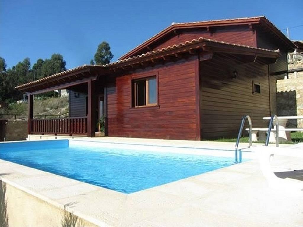 Casa en alquiler con piscina fragoso barcelos braga for Casas con piscina alquiler