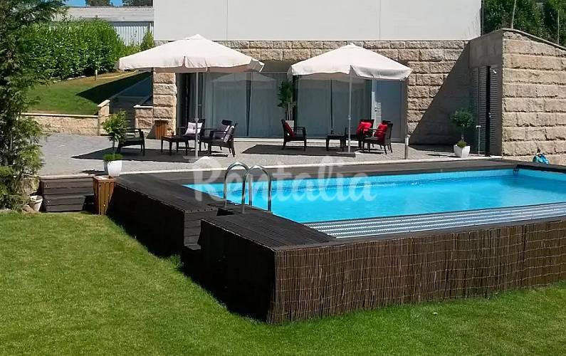 Casa en alquiler con piscina monte c rdova santo tirso for Piscinas oporto