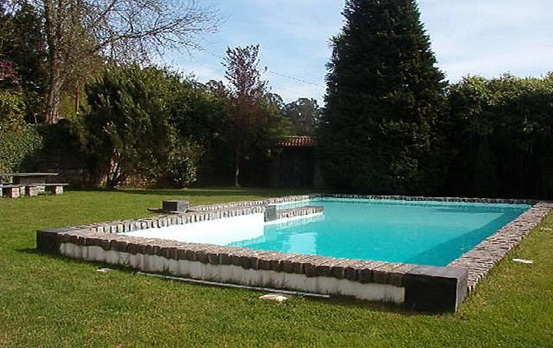 Casa en alquiler con piscina mesquinhata bai o oporto for Piscinas oporto