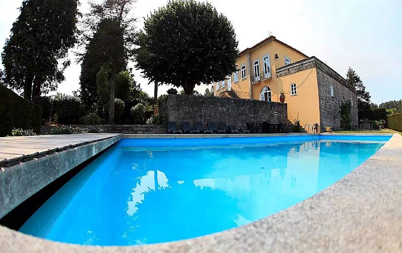 Casa para alugar com piscina neiva viana do castelo for Piscinas viana