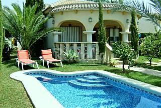Villa de 4 a 5 plazas  (2 hab) a 1 km de la playa Alicante