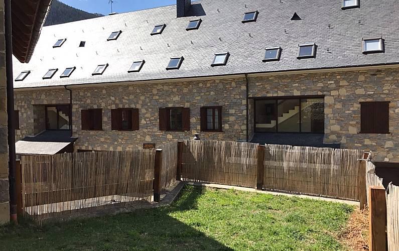 Casa Jardín Lleida/Lérida Naut Aran casa - Jardín