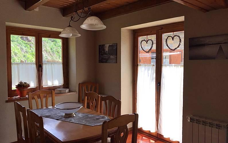 Casa Comedor Lleida/Lérida Naut Aran casa - Comedor