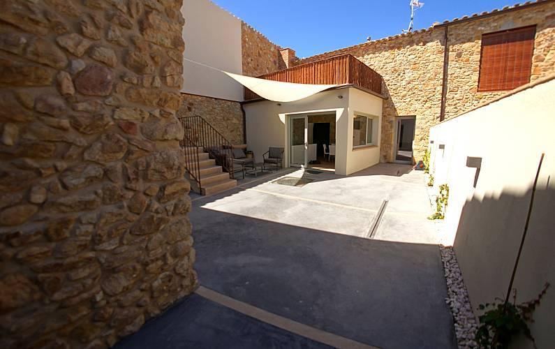 Casa de piedra con Sauna y Jacuzzi cerca de playa Girona/Gerona
