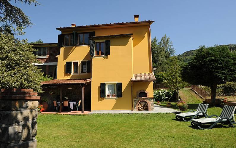 Villa per 6 persone con giardino privato Lucca