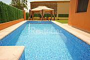 House with 4 bedrooms with private garden Girona
