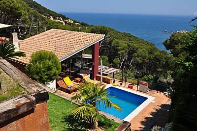 Casa 8-9 personas con piscina y jardin privados Girona/Gerona