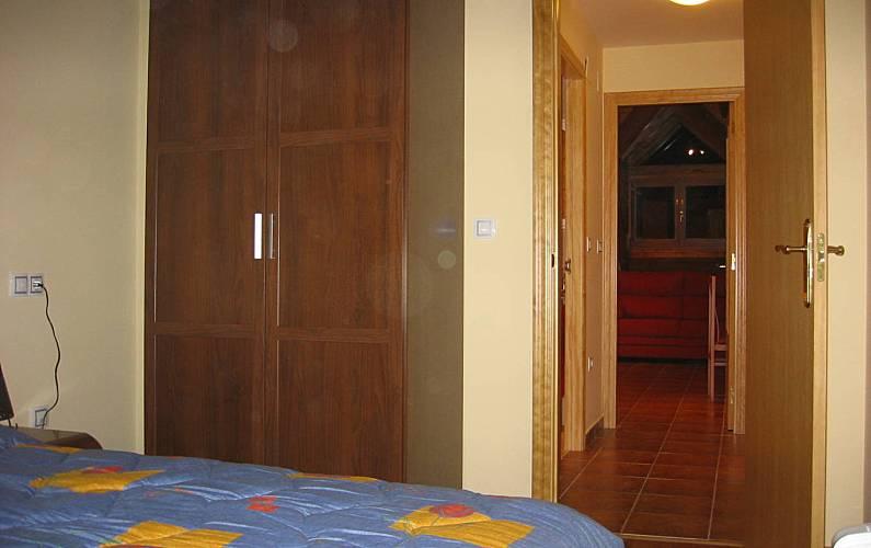 Apartment Bedroom Huesca Canfranc Apartment - Bedroom