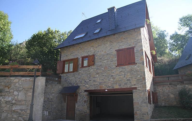 Casa Exterior del aloj. Lleida/Lérida Naut Aran casa - Exterior del aloj.