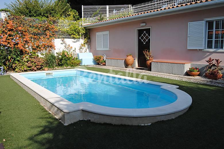 villa avec piscine et jardin dans le centre de lis s o