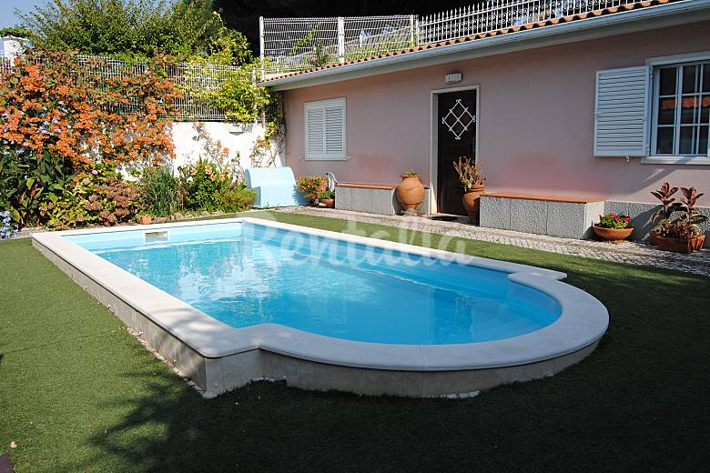 Villa with pool and garden in the center of Lisbon Lisbon