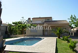 House for 10 people only 50 meters from the beach Tarragona