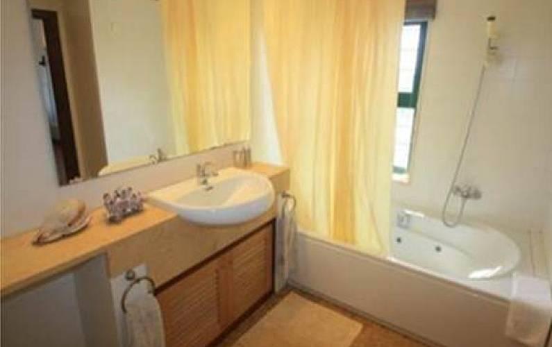 Vista Casa-de-banho Setúbal Sesimbra vivenda - Casa-de-banho