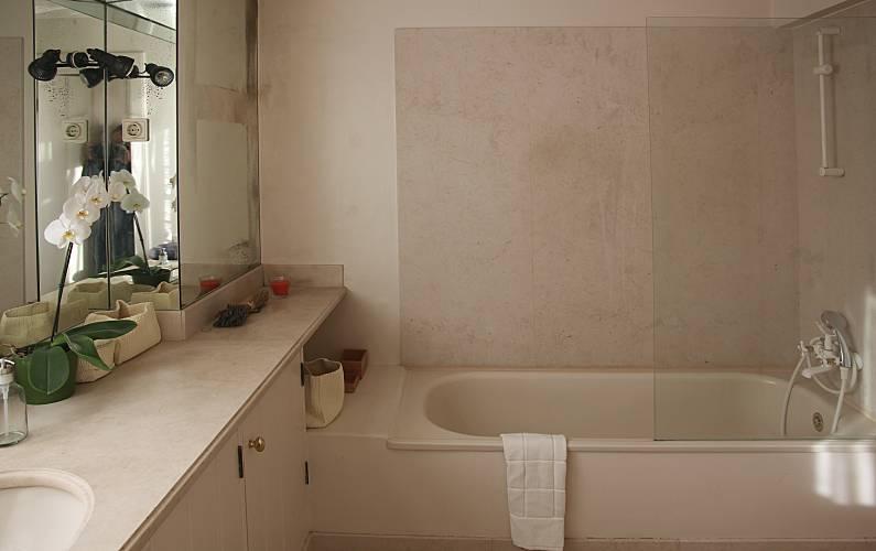 Holiday Bathroom Lisbon Lisbon House - Bathroom