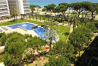 10 Preciosos apartamentos, 4-6 personas, con piscina frente el mar Girona/Gerona