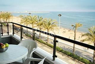 Apartamentos con piscina en primera linea de mar Tarragona