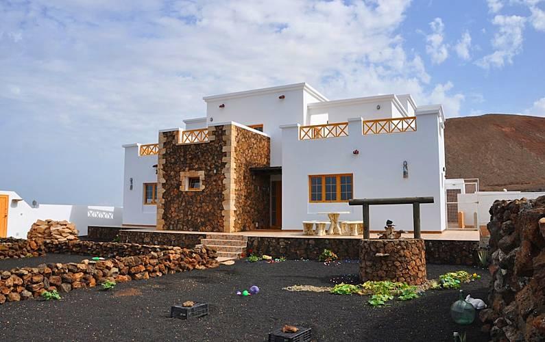 Casa Caldera Blanca rodeada de volcanes Lanzarote - Exterior del aloj.