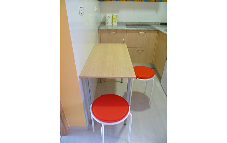 Apartamento para 4 personas en madrid centro madrid for Alojamiento madrid centro