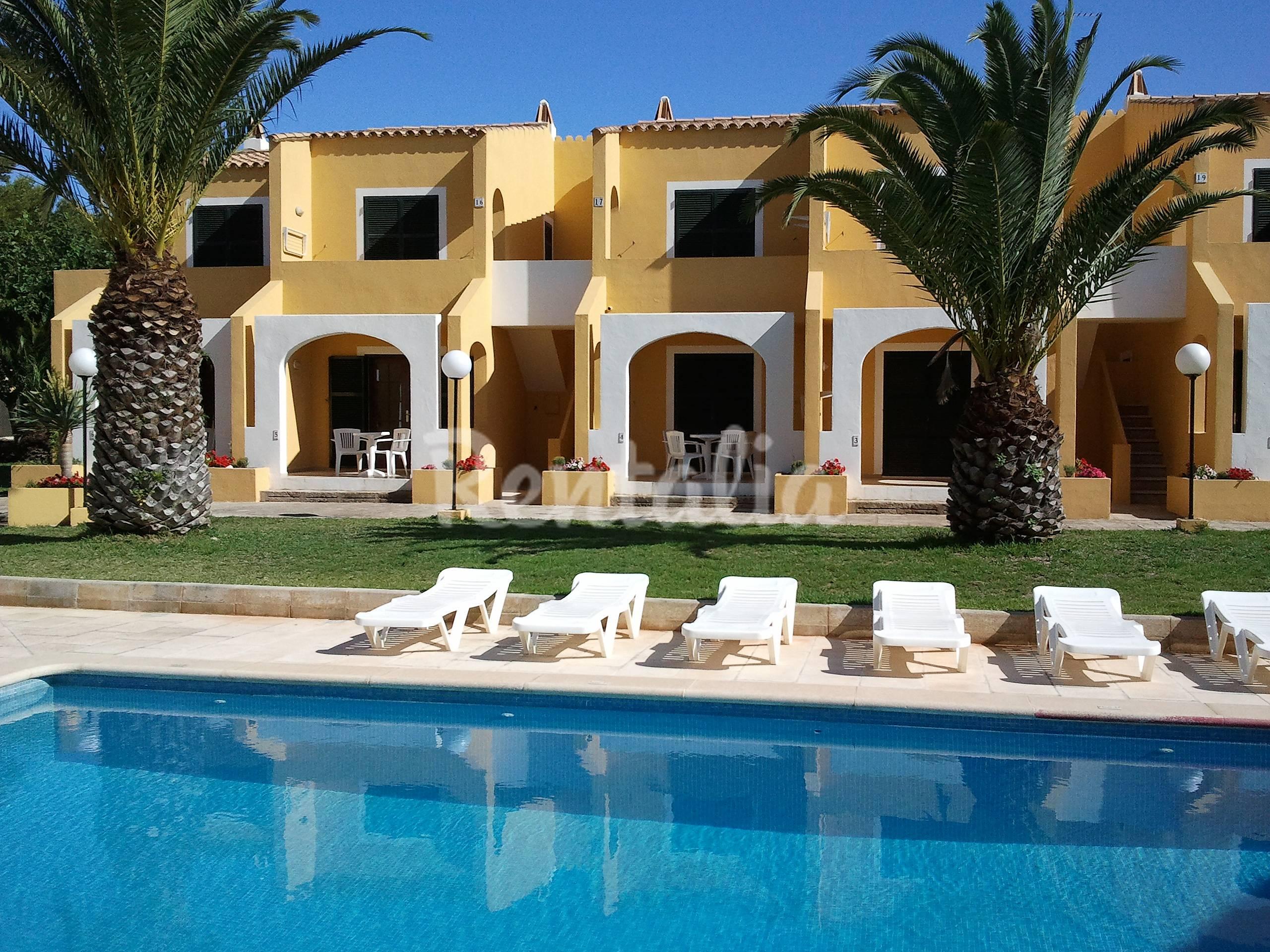 Costa menorca 2 apartamentos cerca de la playa son xoriguer ciutadella de menorca menorca - Apartamentos voramar menorca ...