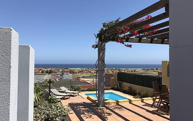 Villa met 3 slaapkamers op 800 meter van het strand caleta de fuste antigua fuerteventura for Terras strijkijzer
