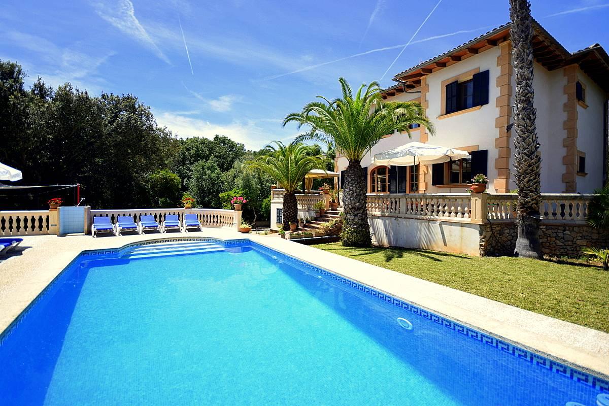 maravillosa casa de descanso con piscina y jardin art