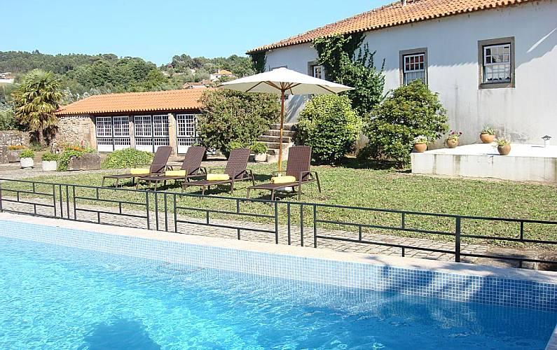 location maison porto portugal ventana blog. Black Bedroom Furniture Sets. Home Design Ideas
