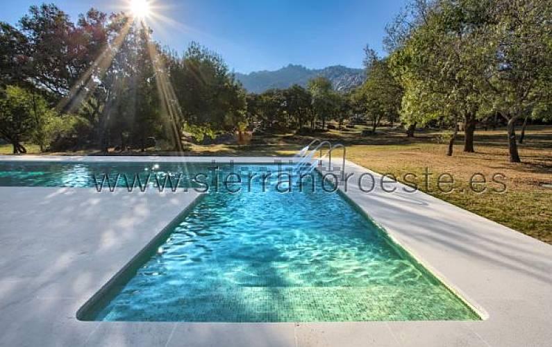Villa Madrid Manzanares el Real Villa en entorno rural -